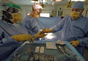 800px-Nimitz_class_surgery